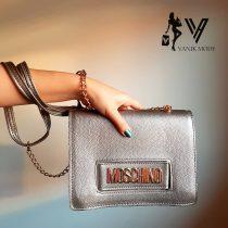 خرید اینترنتی کیف زنانه چرم MOSCHINO در ابعاد 24*18.5 و رنگهای متنوع با قیمت مناسب